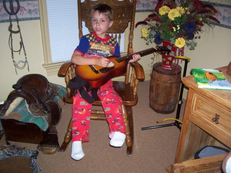 2007-7-luke-on-the-guitar