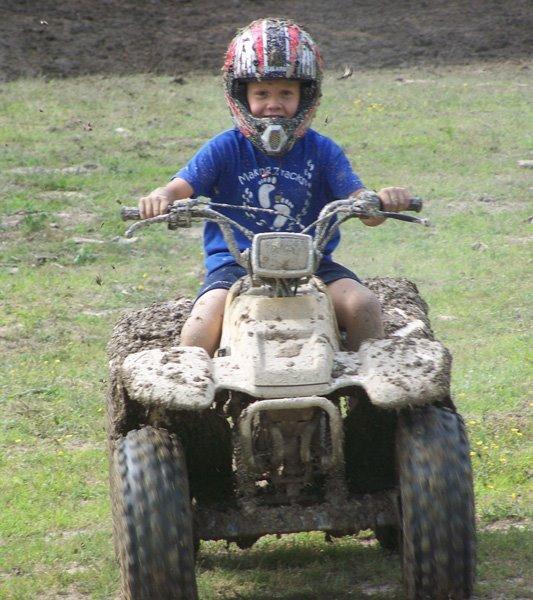 2009-5-26-look-mom-we-have-been-mud-slinging-1