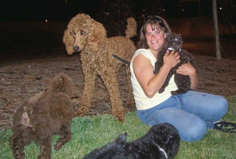 3-2007-6-holley-mama-noel-at-the-airport-at-1200-midnight-picking-up-3-of-our-four-new-family-members-josie-rachel-gunsmoke-2