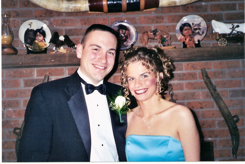 2001-5-wendys-jr-sr-prom-with-blake