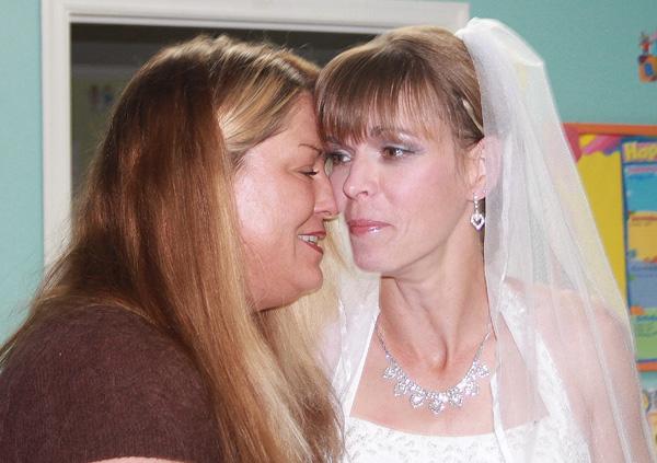 darlenes-wedding-tearful-talk-with-margaret-before-walking-the-isle